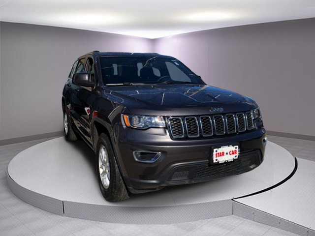 Pre-Owned 2018 Jeep Grand Cherokee Laredo 4x4 *Ltd Avail*