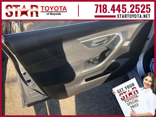 Pre-Owned 2015 Nissan Altima 4dr Sdn I4 2.5 SV