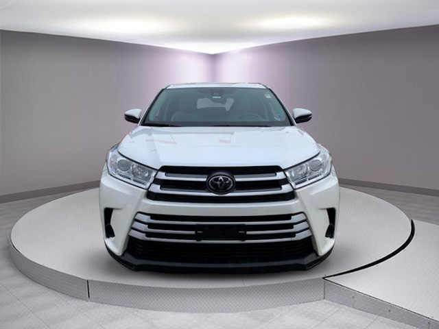 Certified Pre-Owned 2017 Toyota Highlander LE V6 AWD (Natl)