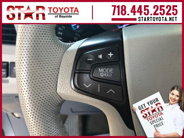 Pre-Owned 2013 Toyota Sienna 5dr 7-Pass Van V6 XLE AWD (Natl)