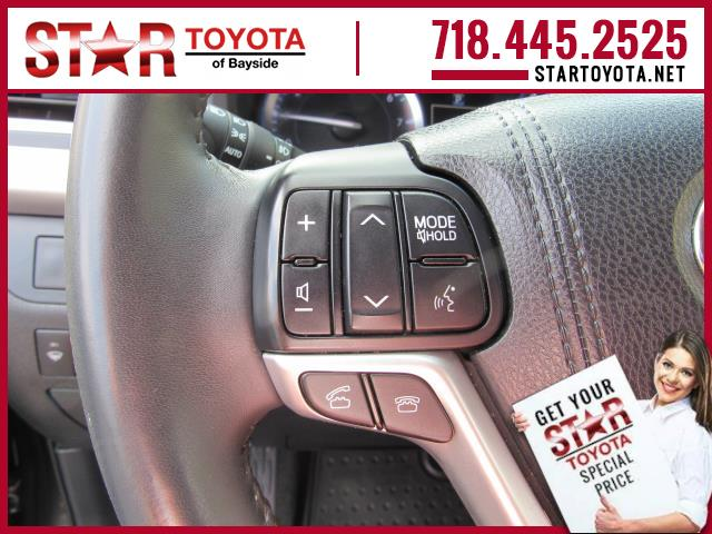Certified Pre-Owned 2015 Toyota Highlander AWD 4dr V6 XLE (Natl)