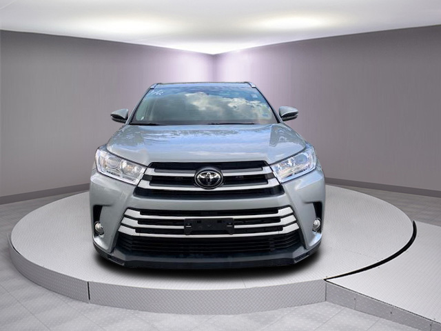 Certified Pre-Owned 2017 Toyota Highlander XLE V6 AWD (Natl)