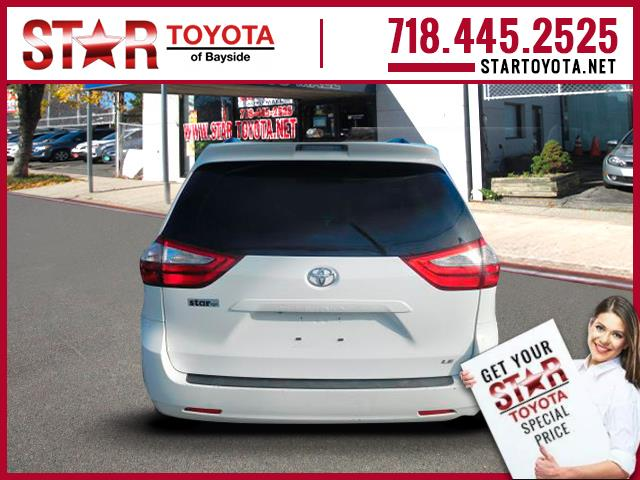 Certified Pre-Owned 2015 Toyota Sienna 5dr 8-Pass Van LE FWD (Natl)