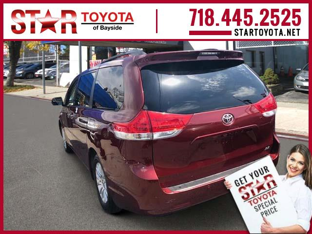 Certified Pre-Owned 2014 Toyota Sienna 5dr 8-Pass Van V6 XLE FWD (Natl)