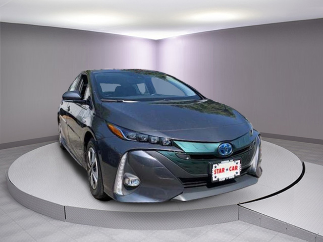 Certified Pre-Owned 2017 Toyota Prius Prime Plus (Natl)